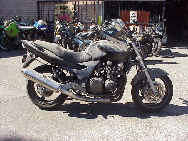 Kawasaki ZR750F
